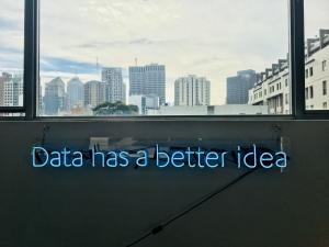 data-neon-sign